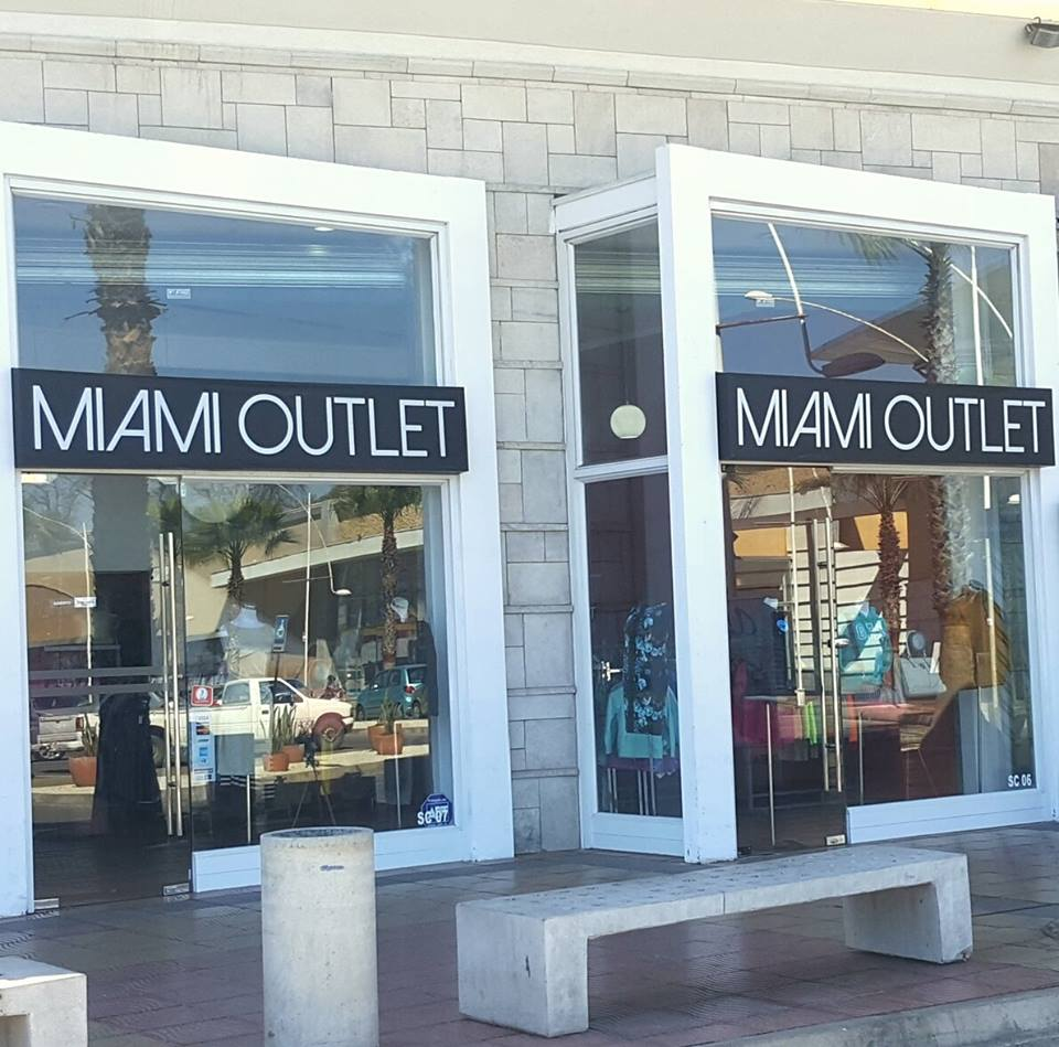 Miami outlet chile mall puerta de mar for Decoracion casa outlet